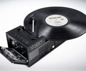 Ion IT34 USB Turntable  Cassette Player