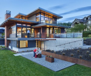 Issaquah Highlands House Offering Panoramic Views of Lake Washington