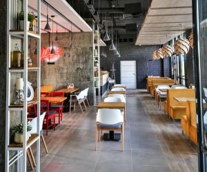 Italian Restaurant by Andrey Polienko