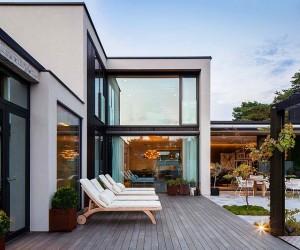 J House by Johan Sundberg Arkitektur