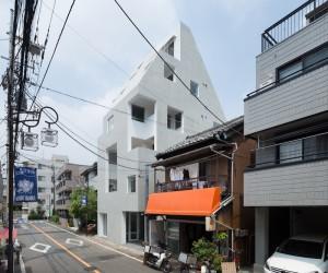 Kitasenzoku Apartment by Tomoyuki Kurokawa Architects