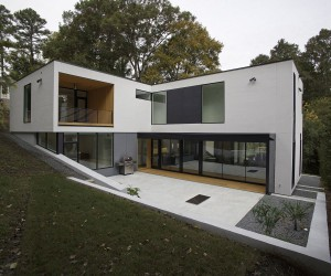 L-Shaped Modern Minimal Residence on a Sloped Lot in Raleigh