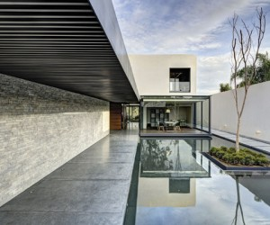 LA House in Mexico by Elas Rizo Arquitectos