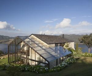 Lake House - reinterpretation of traditional rural house