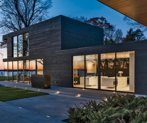 Lake Minnetonka Retreat Home by Snow Kreilich Architects