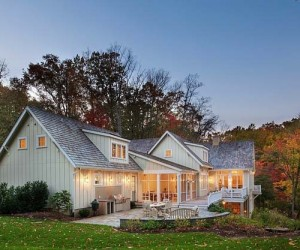 Lakeside Cottage Retreat on Chesapeake Bay by Barnes Vanze Architects