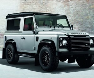 Land Rover Defender Black and Silver Pack