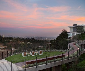 Lavish Beverly Hills House Offers a Spectacular Aerial Walkway