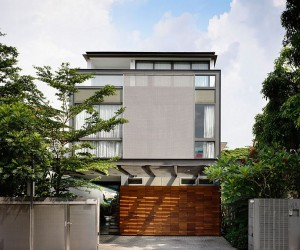 Lavish Modern Home in Singapore Captivates with a Smart Private Courtyard