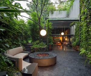 Lavish Outdoors: Stunning Courtyards and a Cloak of Greenery Enchant at Casa O