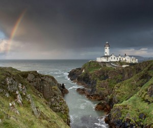 Lighthouse Pictures: 18 Stunning Spots Where the Sea Meets the Shore