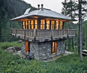 Liliputians: 19 Tiny Homes for Micro-Mansion Living