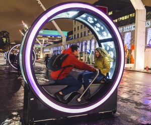 Loops Giant Illuminated Wheels Light up Montreal