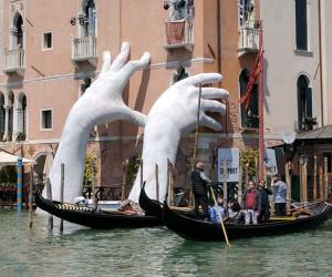 Lorenzo Quinns Installation in Venice
