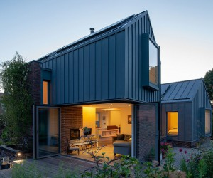 Low Carbon Footprint Countryside House Built at Just 3 Percent of Initial Budget