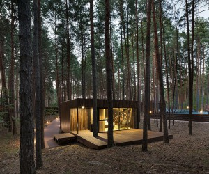 Low Eco-Impact Guest Houses with Minimal Interior Take You Inside a Pine Forest
