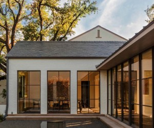 Luminous and Airy Contemporary Style Residence in Dallas