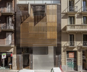 Luxury apartment building in Barcelona by Mateoarquitectura