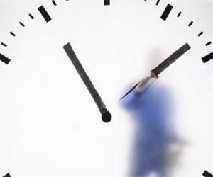 Maarten Baas Real Time Schiphol Clock