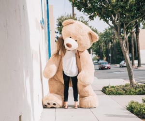 Mackenzie Schmutz Captures Stunning Photos of Her Giant Teddy Bear