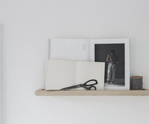 Magazine Rack Ash by Melo