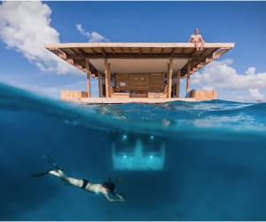 Manta Resort Underwater Trailer