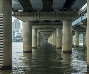 Manuel Alvarez Diestro Captures Stunning Photos of Seouls Bridges