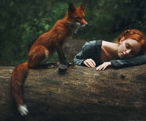 Marvelous Dreamlike Portraits Of Redheads With Red Foxes by Alexandra Bochkareva