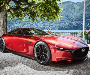 Mazda Exhibits RX-VISION at Villa dEste
