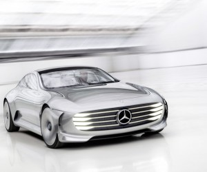 Mercedes-Benz Concept IAA Transforms Its Shape at 50 MPH