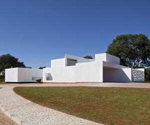 Migliari House by DOMO Arquitetos