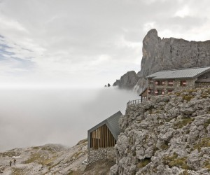 Mimeus Refurbished an Old Winter Bivouac in the Dolomites