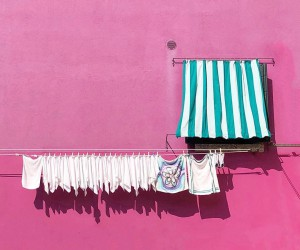 Minimalist and Colorful iPhone Street Photography by Luisa Berger