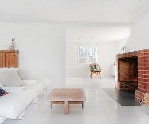 Minimalist White Summer House in Sweden