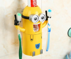 Minions Toothpaste Dispenser Set