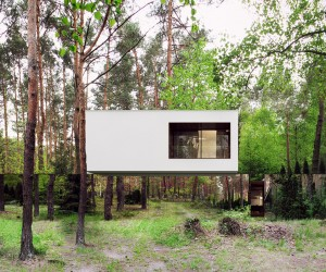 Mirrored Home by Reform Architekt