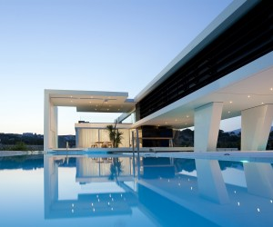 Modern H3 House in Greece