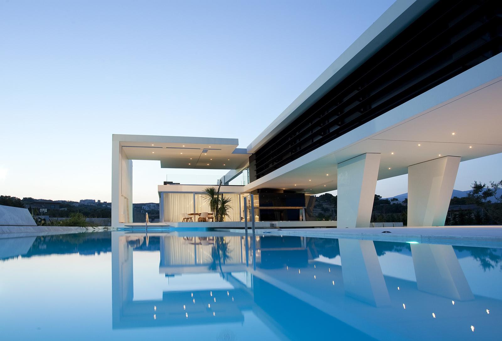Modern h3 house in greece