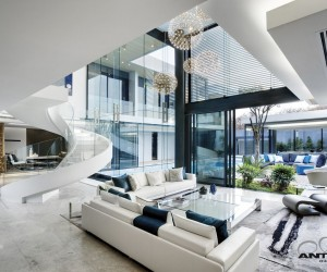 Modern Mansion With Perfect Interiors
