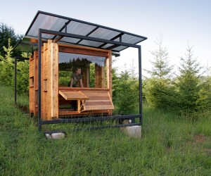Modern Tiny House: The Watershed House, Oregon, USA