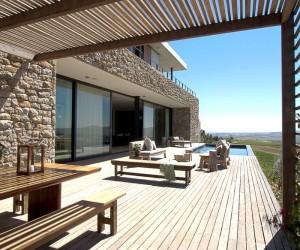 Modern vineyard villa in the Motherland