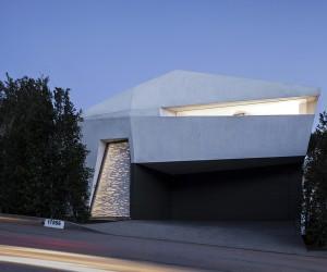 Montee Karp Residence by Patrick Tighe Architecture, Malibu