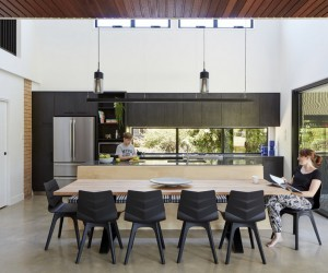 Moorooka House Featuring High Ceilings and an Abundance of Natural Light