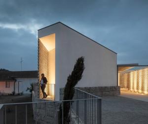 Mortuary House in Vila Caiz by Graa Vaz  Raul Sousa Cardoso