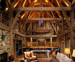 Mount Wilson Residence: Rustic Family Retreat Reinterprets the Classic Barn