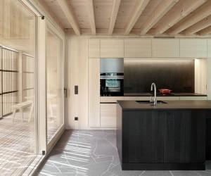 Mountain Vacation House in Austria  Innauer-Matt Architekten
