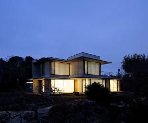 Nakamura Residence by Kidosaki Architects Studio