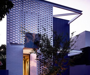 Narrow House Design Cleverly Adapted to Its Site in Melbourne, Australia