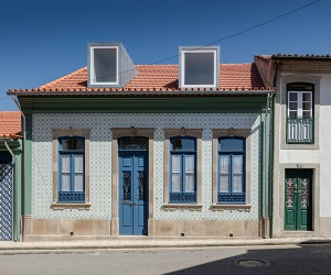 Nelson Resende Refurbishes Old House in Ovar