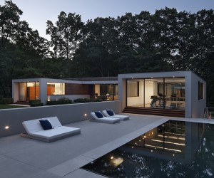 New Canaan Residence: A Contemporary Escape Draped in Greenery